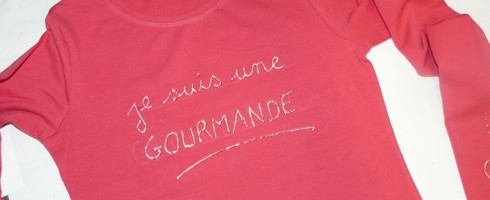 Challenge de Noël #6 : Customisez un tee-shirt fille